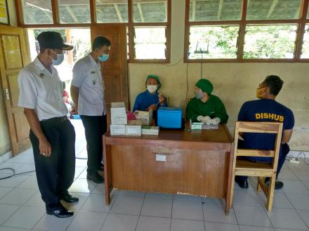 Vaksinasi Warga Tahap Pertama Desa Jinengdalem, 5 Mei 2021